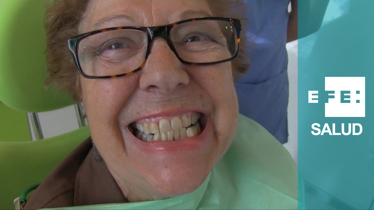 Las encías sanas, señal de dientes radiantes