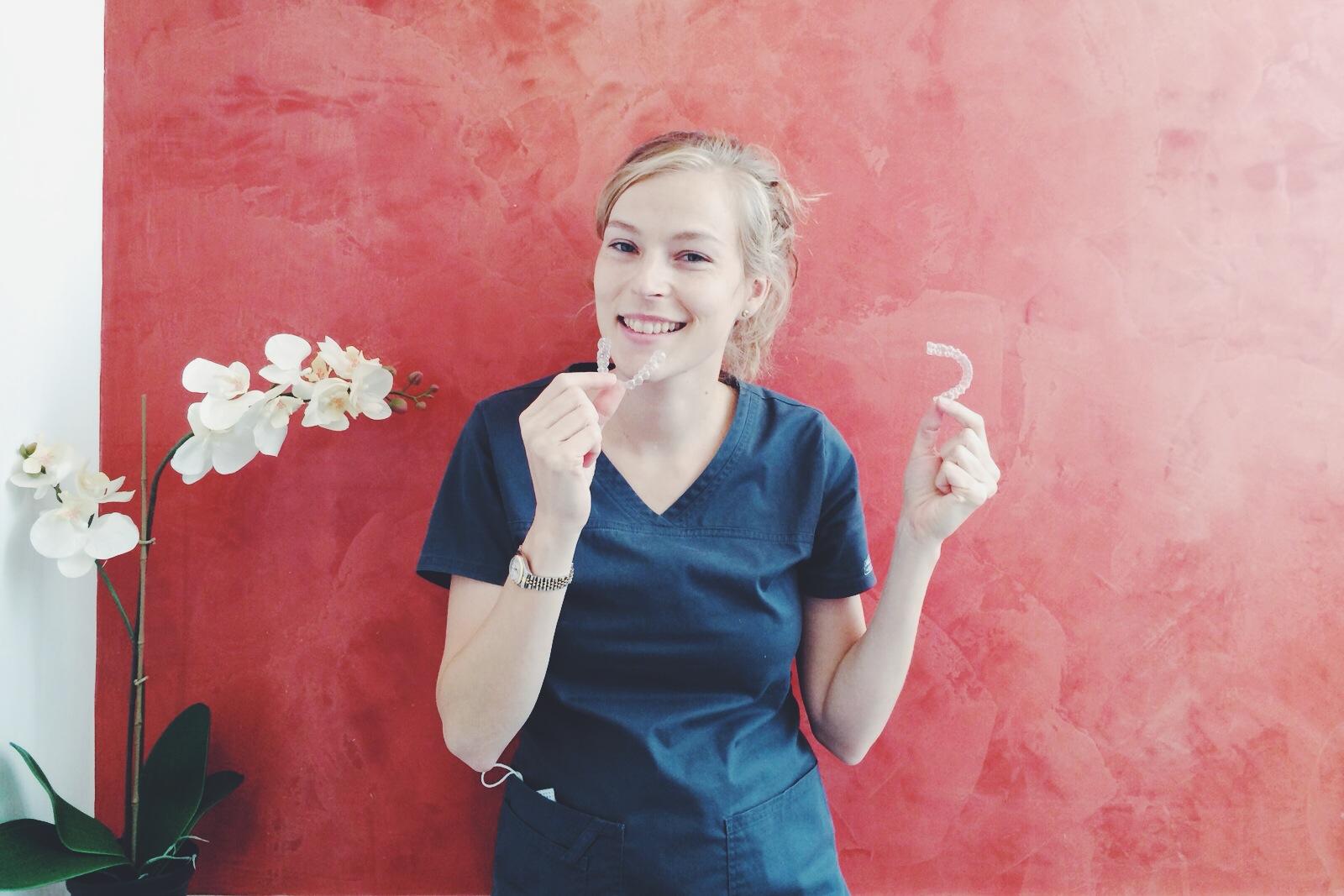 Cómo cuido mi ortodoncia transparente Invisalign