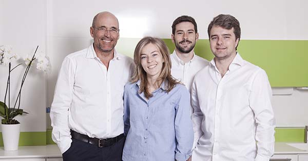Clínica dental abierta en agosto en Madrid