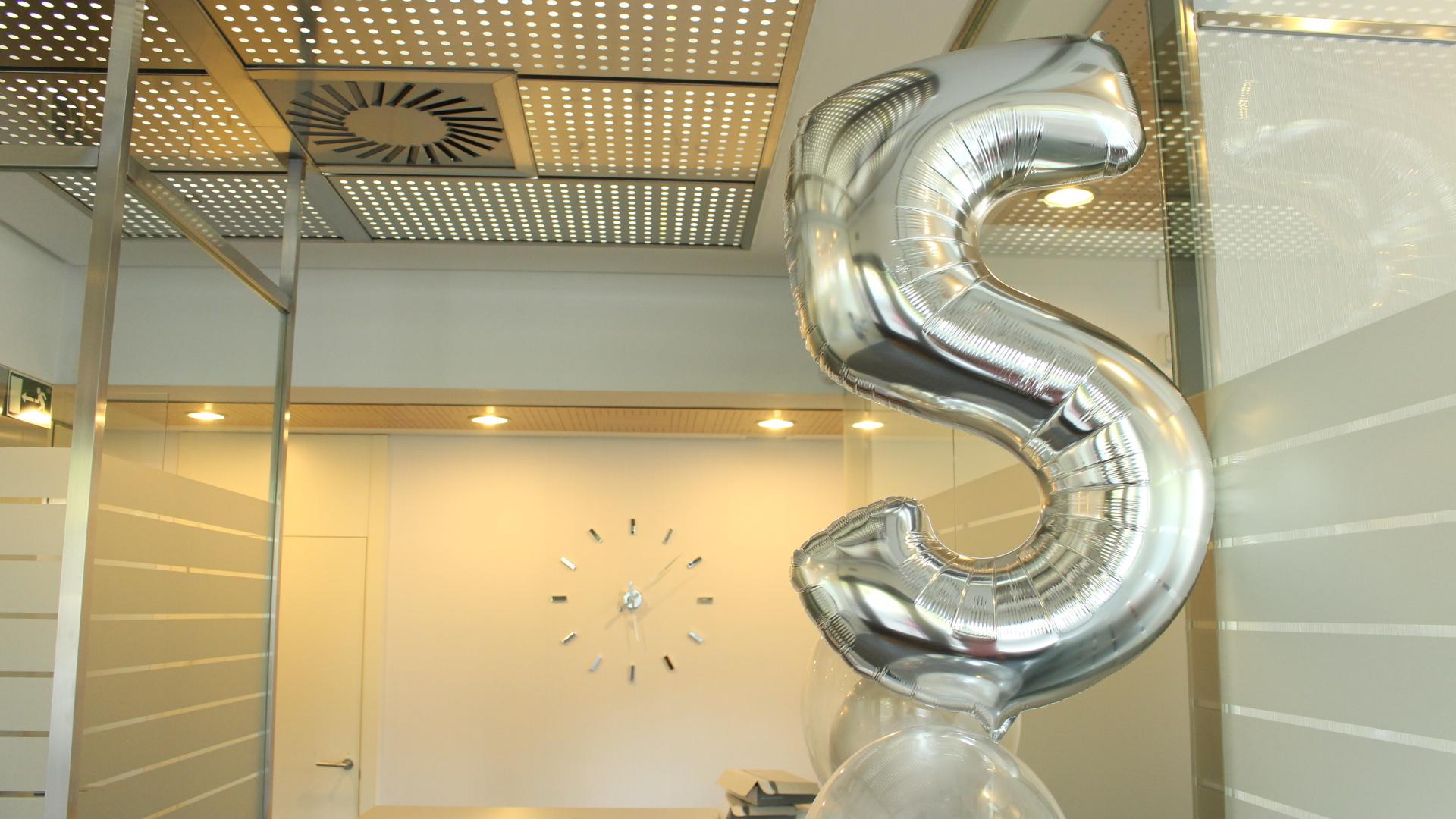 Celebramos el 5º Aniversario de Dental 2DOCE