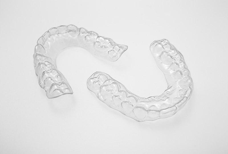 retenedores dentales removibles essix